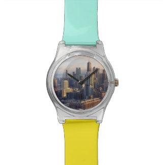 Vue du paysage urbain avec la lumière fantastique montres cadran