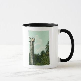 Vue d'un vent MillEureka, CA de séquoia Mug