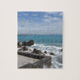 Vue panoramique de côte de Castiglioncello en Puzzle