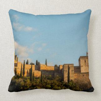 Vue panoramique de la forteresse d'Alhambra Coussin