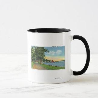 Vue pittoresque le long du lac mug