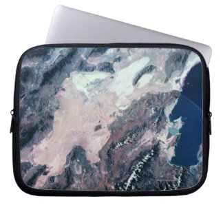 Vue satellite de la terre housses ordinateur