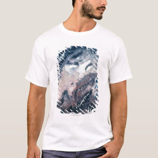 Vue satellite de la terre t-shirt
