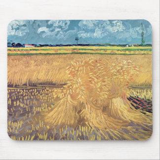 Wheatfield de Vincent van Gogh | avec des gerbes, Tapis De Souris