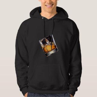 Whiskey sur le sweat - shirt à capuche d'obscurité