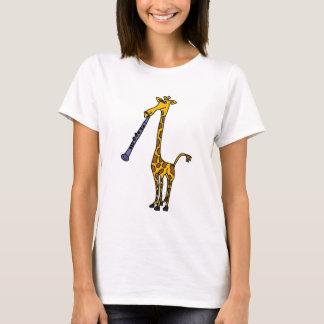 XX girafe jouant la clarinette T-shirt
