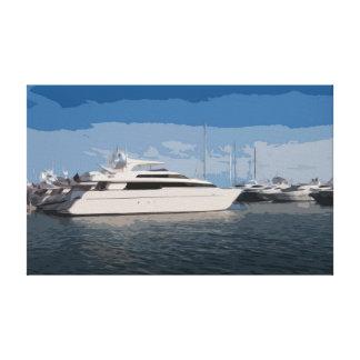 Yacht de luxe sur une toile de jour de ciel bleu
