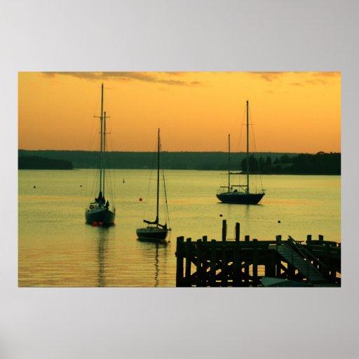 Yachts au coucher du soleil poster