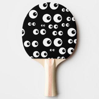 Yeux écarquillés raquette tennis de table