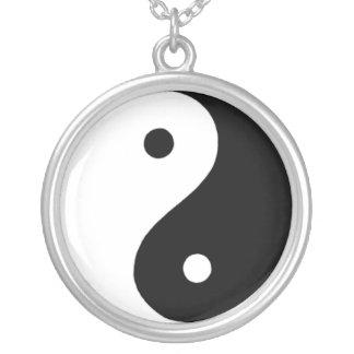 Yin/Yang Collier
