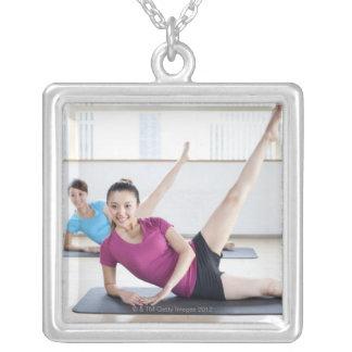 Yoga 8 collier