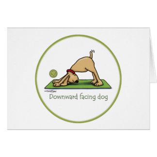 Yoga - chien orienté vers le bas carte de vœux