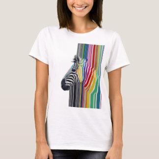 zèbre vibrant coloré à la mode impressionnant de t-shirt