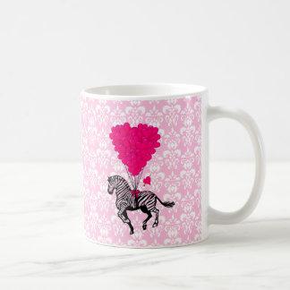 Zèbre vintage et ballons roses de coeur tasse