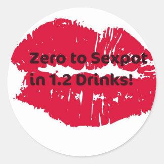 Zéro à l homme très sexy dans 1 2 boissons Copie Autocollants Ronds