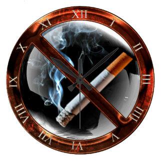 Zone non-fumeurs grande horloge ronde